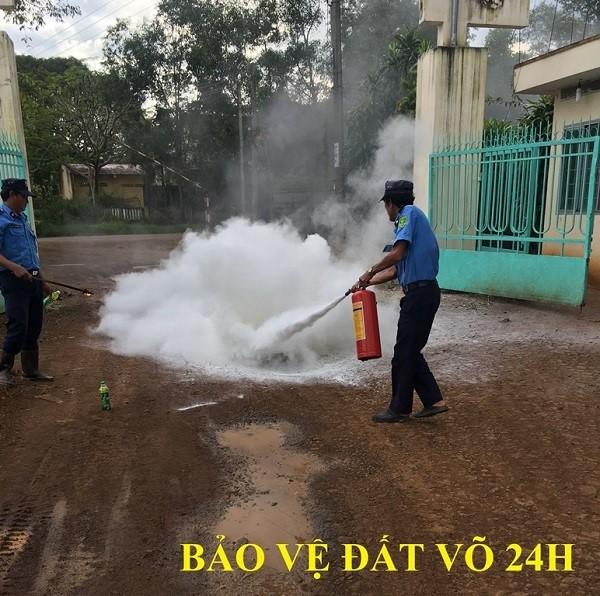Đội ngũ nhân viên bảo vệ đều được huấn luyện các quy trình nghiệp vụ bảo vệ