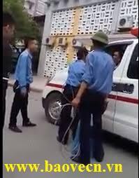 Đình chỉ công tác bảo vệ bệnh viện chặn xe cấp cứu
